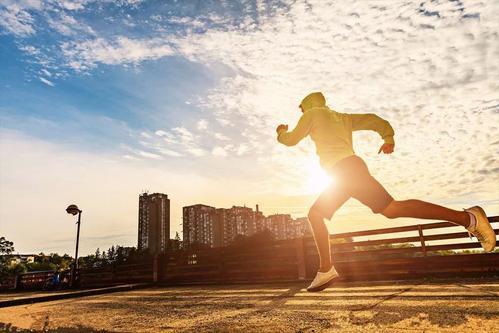 每天起床后这5个坏习惯会偷偷伤害你的肝,请一定要改掉
